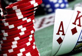 Comment jouer au poker en comptant les cartes: stratégies de jeu efficaces